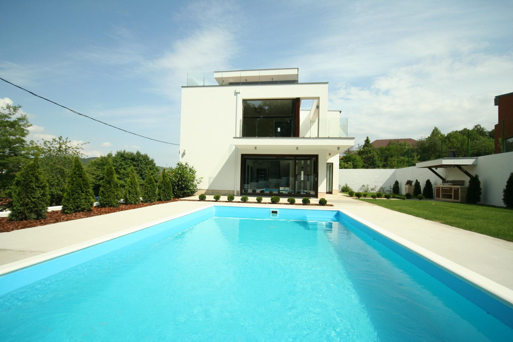 Modern családi ház